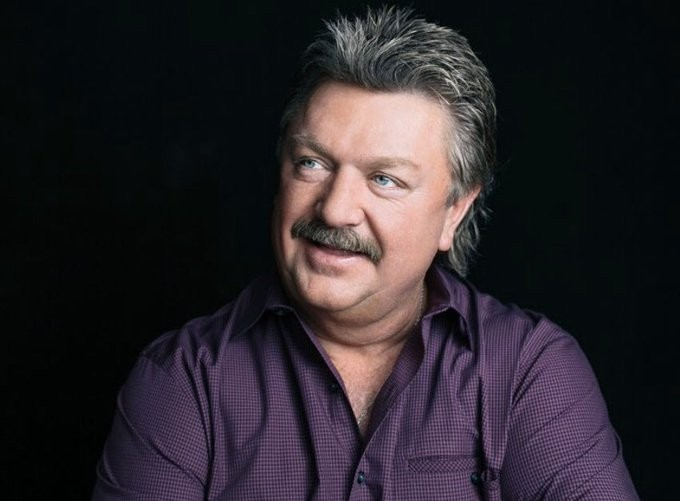 Carrie Undergrowth, Brad Paisley grieve Joe Diffie: 'I'm ruined by the loss of my friend'